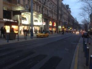 Provisorische Gestaltung der Begegnungszone Mariahilfer Strasse in Wien.