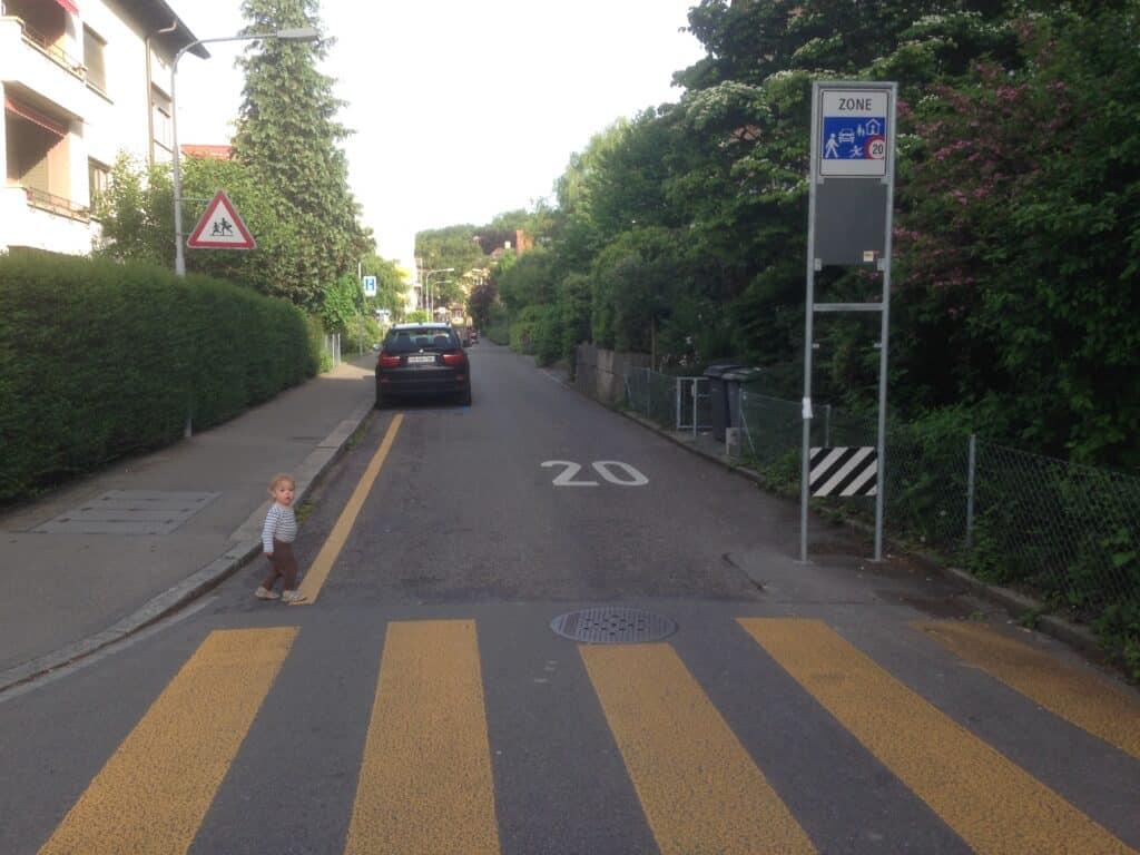 Das westliche Tor zur Begegnungszone Magdalenenstrasse. Foto: Fussverkehr Schweiz