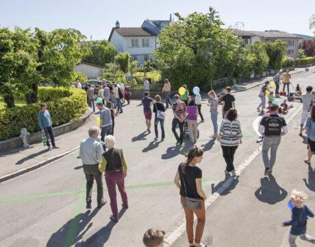 BERN 21.05.2016  - Ersten grossflächigen Begegnungszone der Schweiz in dem Wohnquartier Burgfeld. © Béatrice Devènes